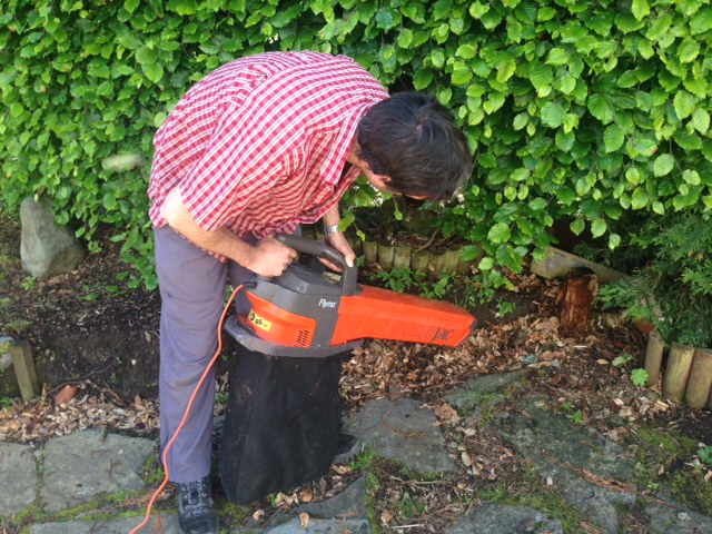 we found a garden vacuum in the shed & it works!